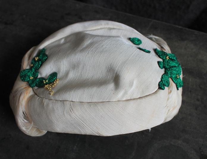 Chapeau ancien rebrodé et perlé